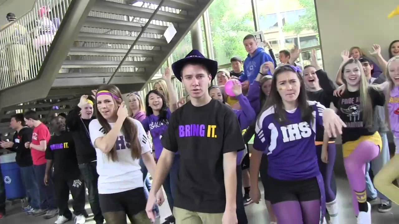 "Issaquah High Lip Dub 2013 ""Can't Hold Us"" - YouTube"