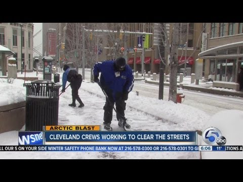 6pm: Downtown Cleveland Snow