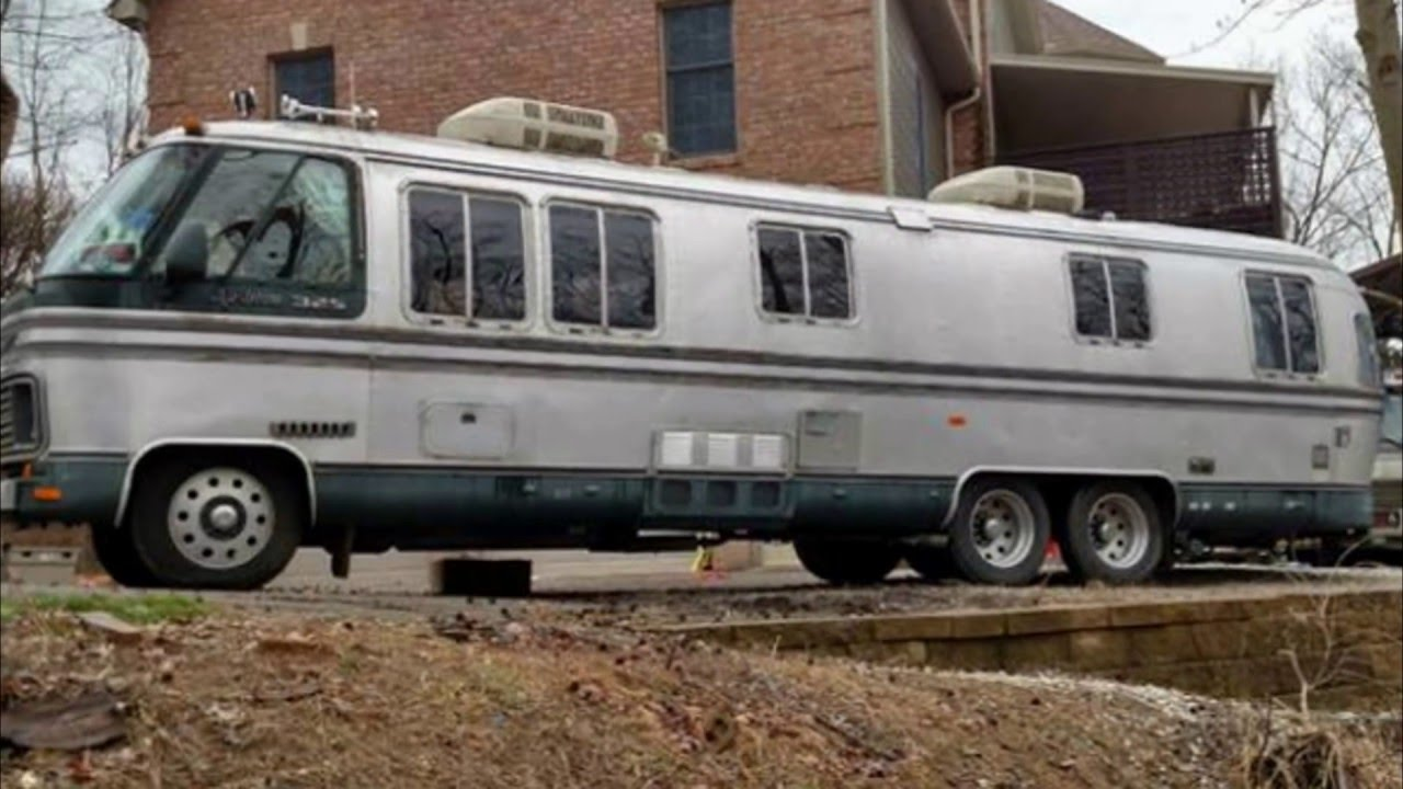 1986 Airstream 325 Aluminum Motorhome Vintage Trailer Channel