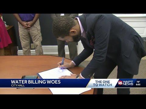 Jackson mayor signs customer bill of rights over water bills