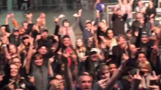 What It Was Like Doing Stage Announcements At The Godsmack Show At The Yakima Valley Sundome