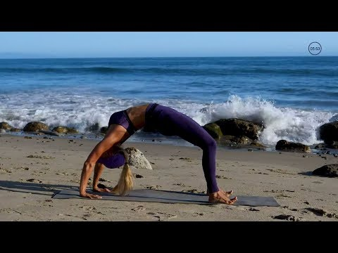 25 Minute Booty Lifting Yoga // Yoga Poses To Firm Glutes