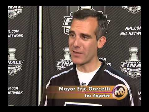"""Los Angeles Kings Parade Interviews and Mayor Eric Garcetti responding to his """"F"""" Bomb."""