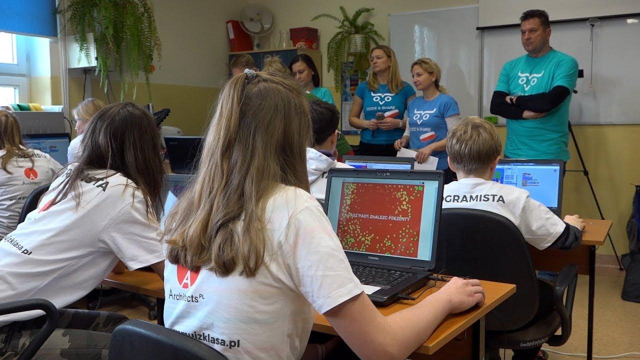2017.12.05 Gdańscy uczniowie chcą pobić Rekord Guinnessa w programowaniu