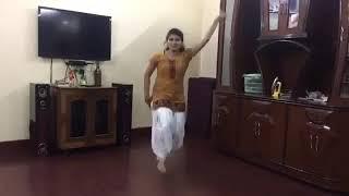 Desi girl dance on Punjabi song