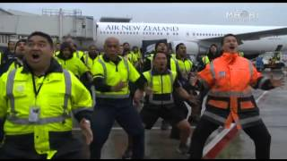 Air New Zealand Staff Haka to Welcome Home All Blacks