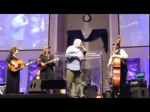 Terry Bradshaw singing with The Isaacs at Clawson Assembly of God, Pollok, Tx
