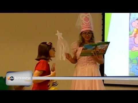 Crianças da oncologia do HB em Rio Preto brincam com personagens dos quadrinhos