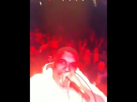 Jay Electronica takes my phone while performing [Video]