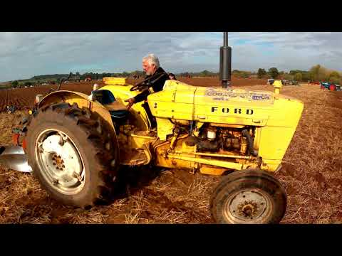 1973 Ford Industrial 3000 22 2.9 Litre 3-Cyl Diesel Tractor (47HP) With Ransomes Plough
