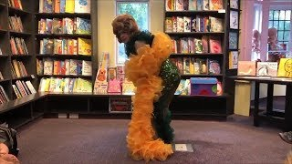 Conservative Twins Drag Queen Story Hour Teaches Kids How To Twerk