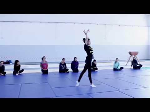 Enchainement de gymnastique semestre 1 pour les étudiantes de 2eme année a l'ISSEP de ksar Saïd