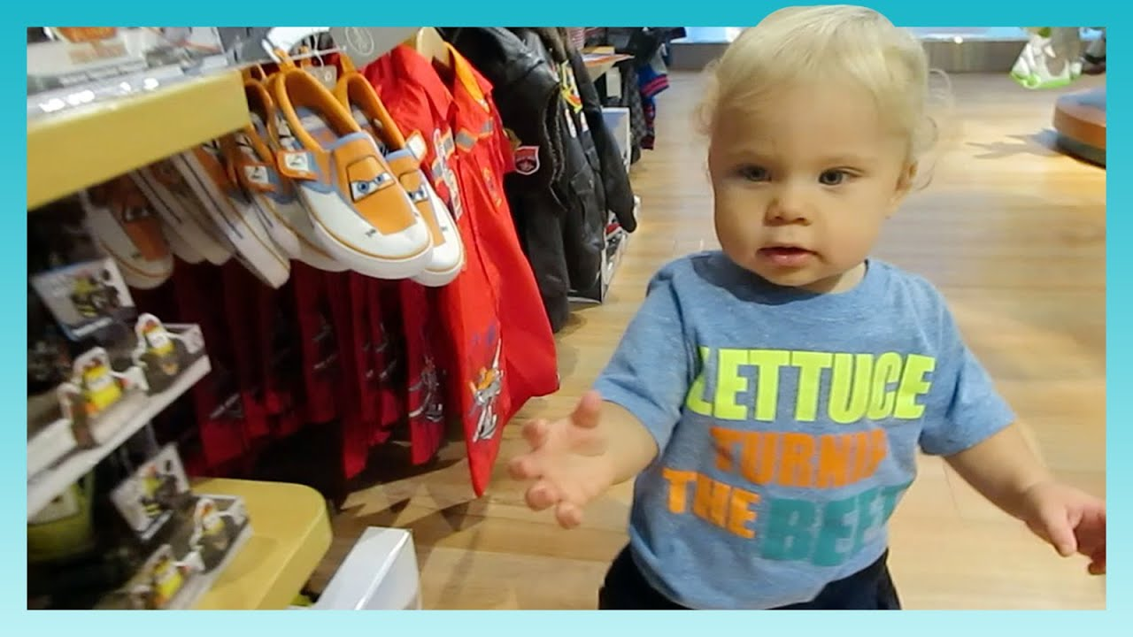 Download TAKING OVER THE MALL!   Look Who's Vlogging: Daily Bumps