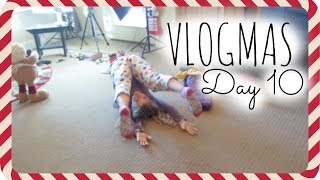 ⛄ My Mom Embarrasses Me, Target Shopping Spree, Computer Probs | VLOGMAS DAY 10