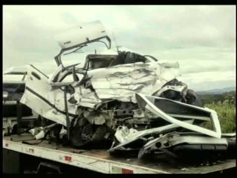 Pai, mãe e filha morrem em acidente na BR 267