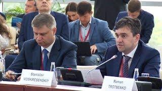 Смотреть видео ВЭФ-2019: Бизнес диалог «Россия – Япония» онлайн