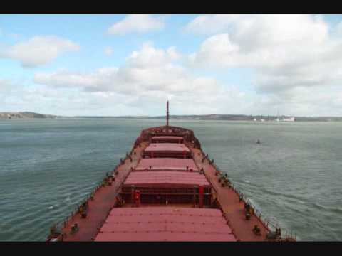 Speeded up video of a bulker leaving Ringaskiddy Deepwater berth.wmv