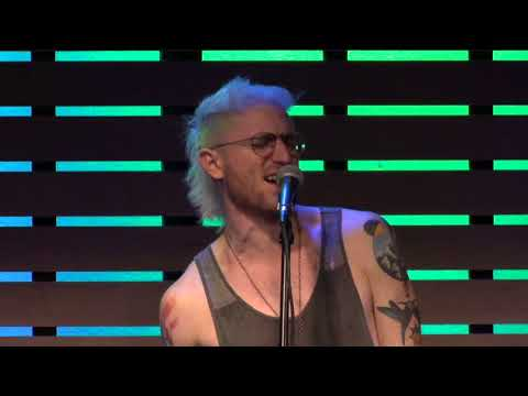 Walk The Moon - Kamikaze [Live In The Sound Lounge]