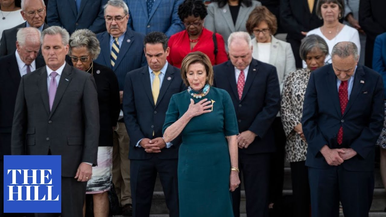 Congress holds moment of silence for the more than 600,000 American lives lost to COVID-19