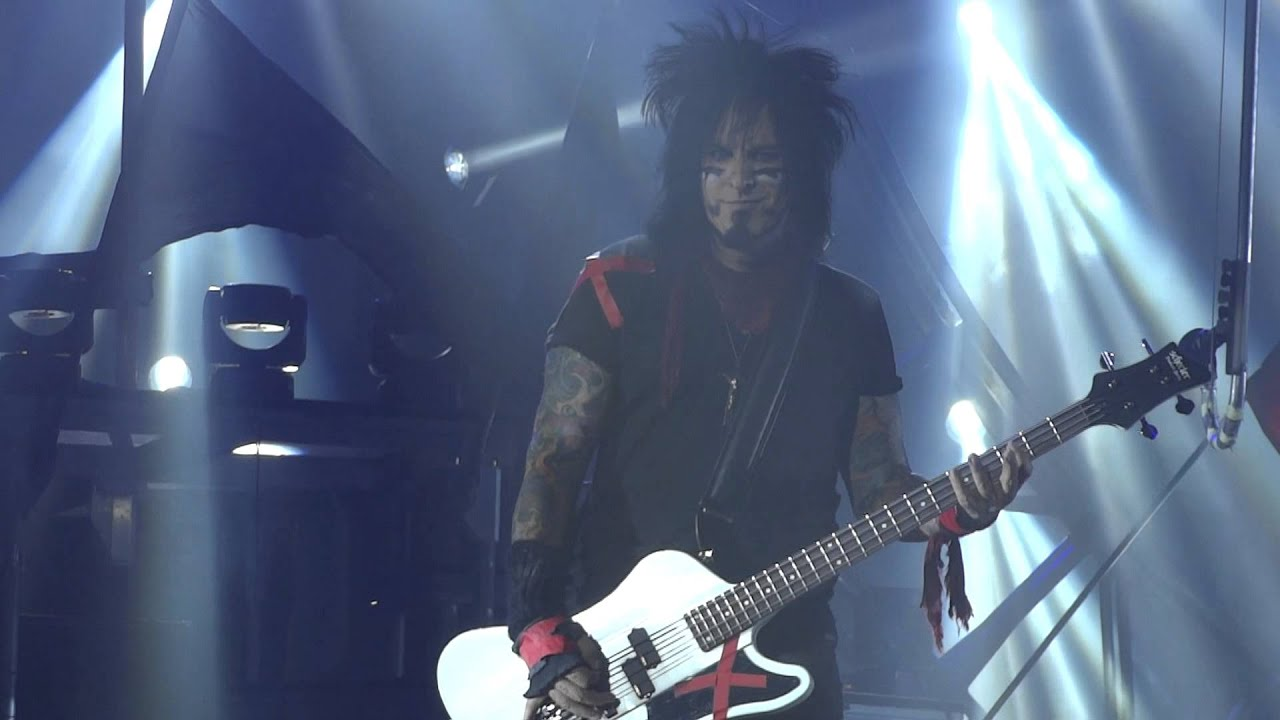 Motley Crue - Live Wire - Mohegan Sun - 5/18/13 - YouTube