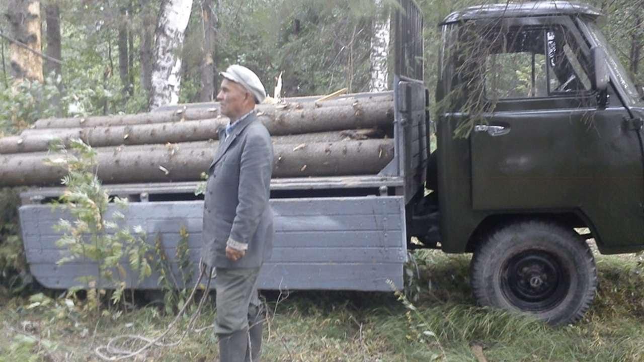 Уаз-3303. Http://www. Uaz. Ru/,http://uazbuka. Ru/,vnedorozhnikuaz. Россия. Приобрел головастик,1987 года,надо подварить днище,сгнило где к раме крепиться. Т. К купил 6и и он врёт едиш 50-60 км. Ч а он показывает 20-30 км. Ч. 1.