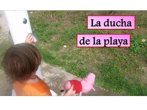 Peppa Pig en la ducha de la playa con Bebé Humano   Vídeos de Peppa Pig en español