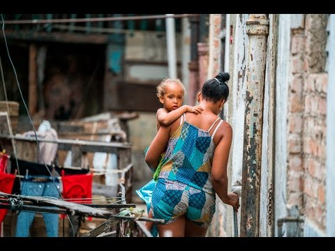 Visiting the Poor in Havana, Cuba- portraits and photojournalism using one lens and one camera