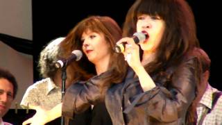 "Ronnie Spector performs ""Baby I Love You"""