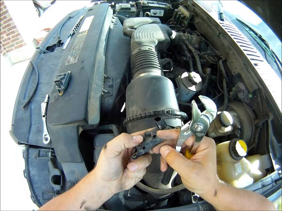 P1405 Code Fix 2004 Ford Expedition - YouTube