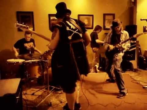 "Taylor Bays and the Laser Rays - ""I've got a growth (underneath my tongue) LIVE @ The Green Bean"