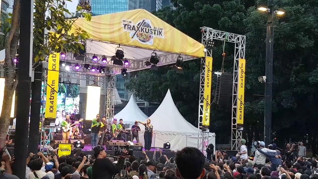 Souljah - Tak Selalu (LIVE at TraxKustik | Trax FM, Jakarta 14-12-2019)