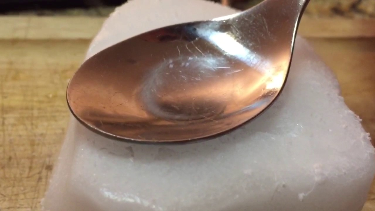 how to make crack on a spoon