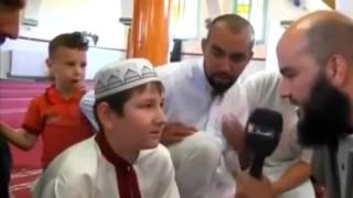 Russe konvertiert zum Islam in Ramadan