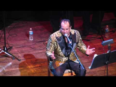 Rahat Fateh Ali Khan singing Zaroori Tha Live (Hamari Adhuri Kahani)