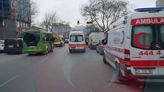 Ambulans İstanbulKalp Krizi Geçiren Hasta Acil Anjiyografi İçin NaklediliyorAmbulance Turkey