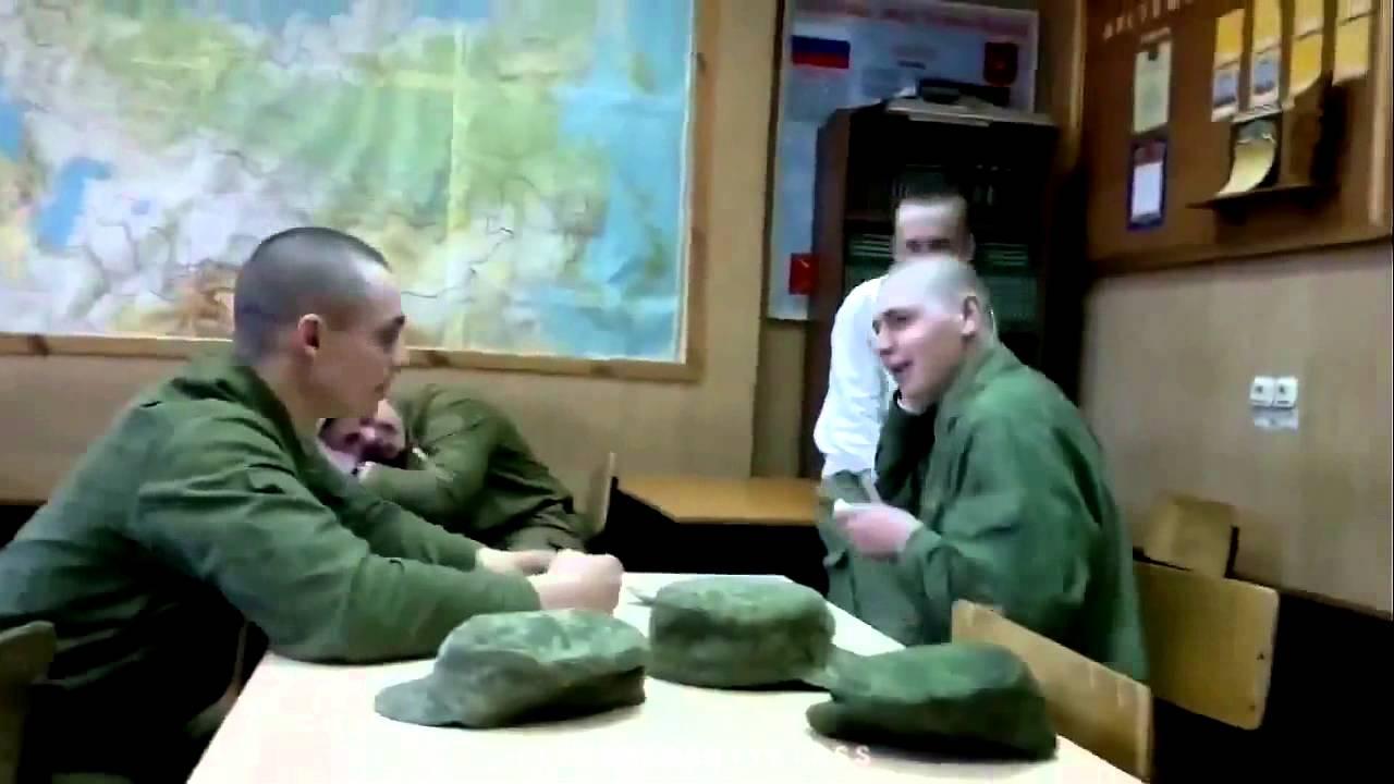 Приколы в русской армии. Как развели новичка. Gay russian army.