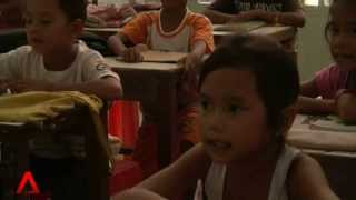 CAMBODIA: Poverty poses challenge to learning English