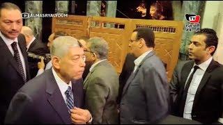 وزير الداخلية السابق في عزاء والدة «عادل عدوي»