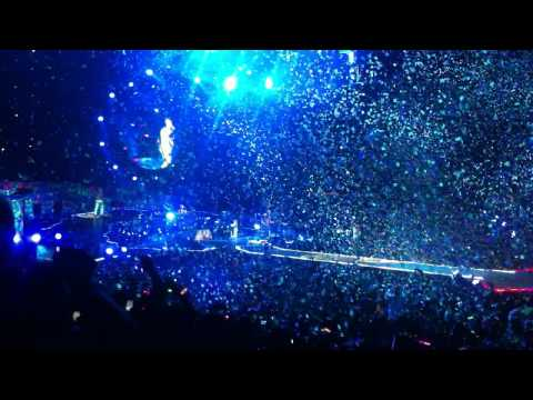 Coldplay - In My Place (Dallas, TX 6/23/12 American Airlines Center)