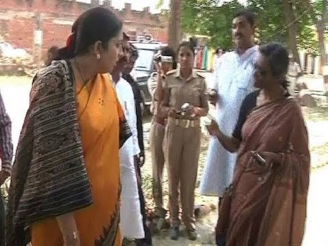 Smriti Irani Verbal Spat with Priyanka Vadra's PA in Amethi caught on Camera