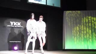 YKKファスニングアワード2011 の授賞式に大阪ファッションデザイン専門...