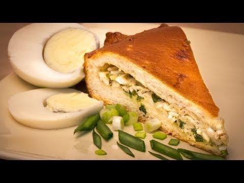 Заливной пирог с зеленым луком и яйцами / Пирог на кефире