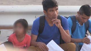 """Los niños, el """"pasaporte"""" de entrada a EE.UU. para inmigrantes deportados"""