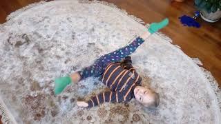 Тренировка дома. Гимнастика для девочек. Гимнастка 4 года.