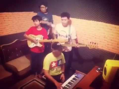 Queen & Jacks - Terlalu Cepat (Dub Interlude) Craziest Video