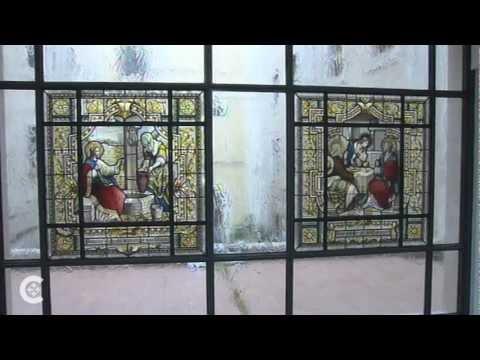 Pope says no to Apostolic Palace