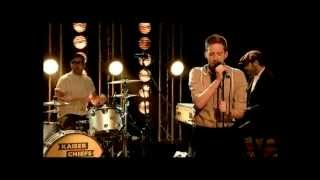 KAISER CHIEFS :SINGS BRAND NEW SINGLE LIVE THE GRAHAM NORTON SHOW 25/04/2014