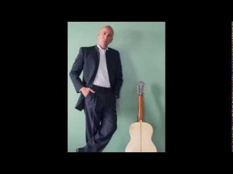 "José Antonio López interpreta el famoso tango ""La Cumparsita"""