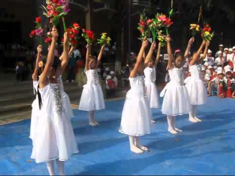 Múa Bông hồng tặng cô của lớp 4C trường TH Hoàn long - Yên Mỹ - Hưng Yên