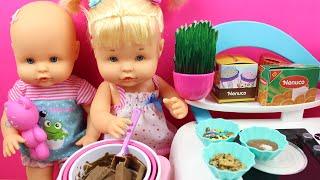 Aventuras en la Cocina de las Bebés NENUCO Hermanitas Traviesas | Las Bebés cocinan pasteles thumbnail